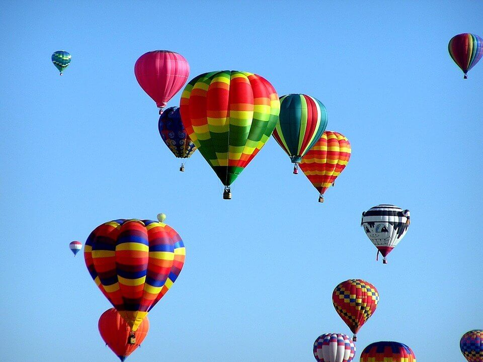 Let balonem nad Prahou stips vanoce